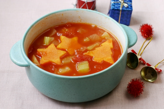 セロリのトマトスープ